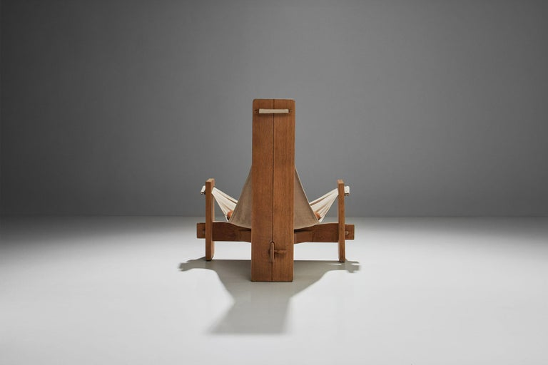 Three-Legged Oak Sling Chair in Oak, circa 1960s-1970s In Good Condition For Sale In Utrecht, NL