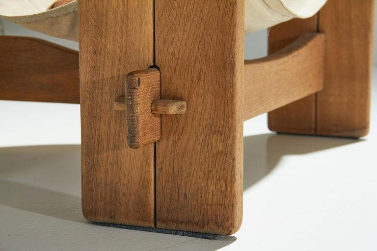 Three-Legged Oak Sling Chair in Oak, circa 1960s-1970s For Sale 1