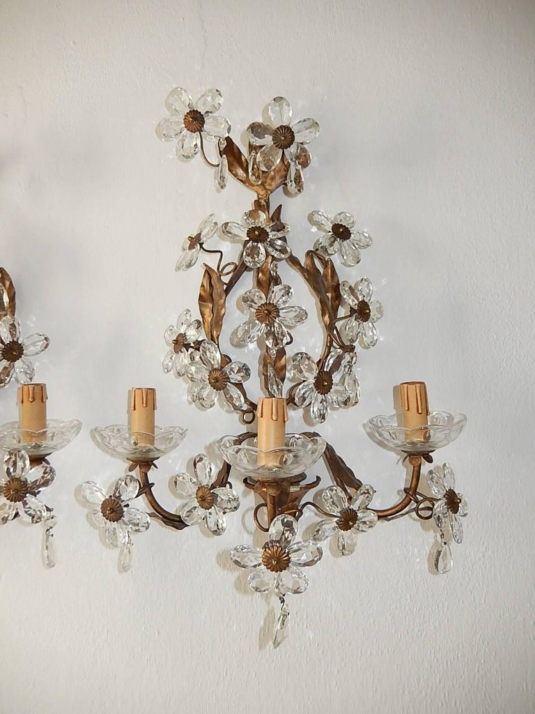 Three-Light Maison Baguès Style Crystal Flower Sconces In Excellent Condition For Sale In Mirandola (MO), IT