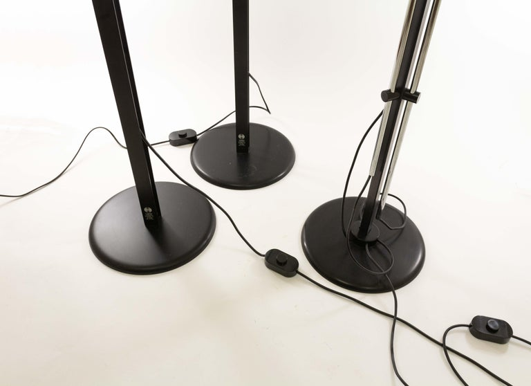 Lacquered Three P433 floor lamps by Brusasco & Torretta for Luci Italia, 1970s For Sale