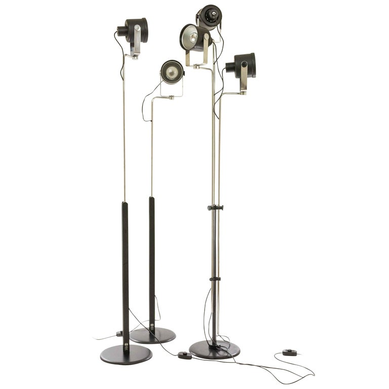 Three P433 floor lamps by Brusasco & Torretta for Luci Italia, 1970s For Sale
