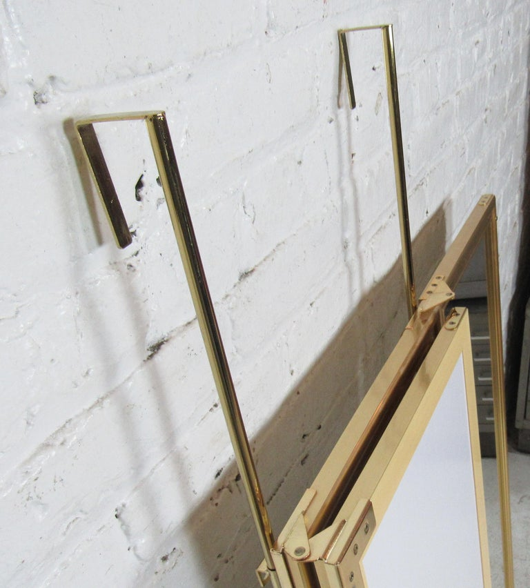 Three-Panel Hanging Mirror In Good Condition For Sale In Brooklyn, NY