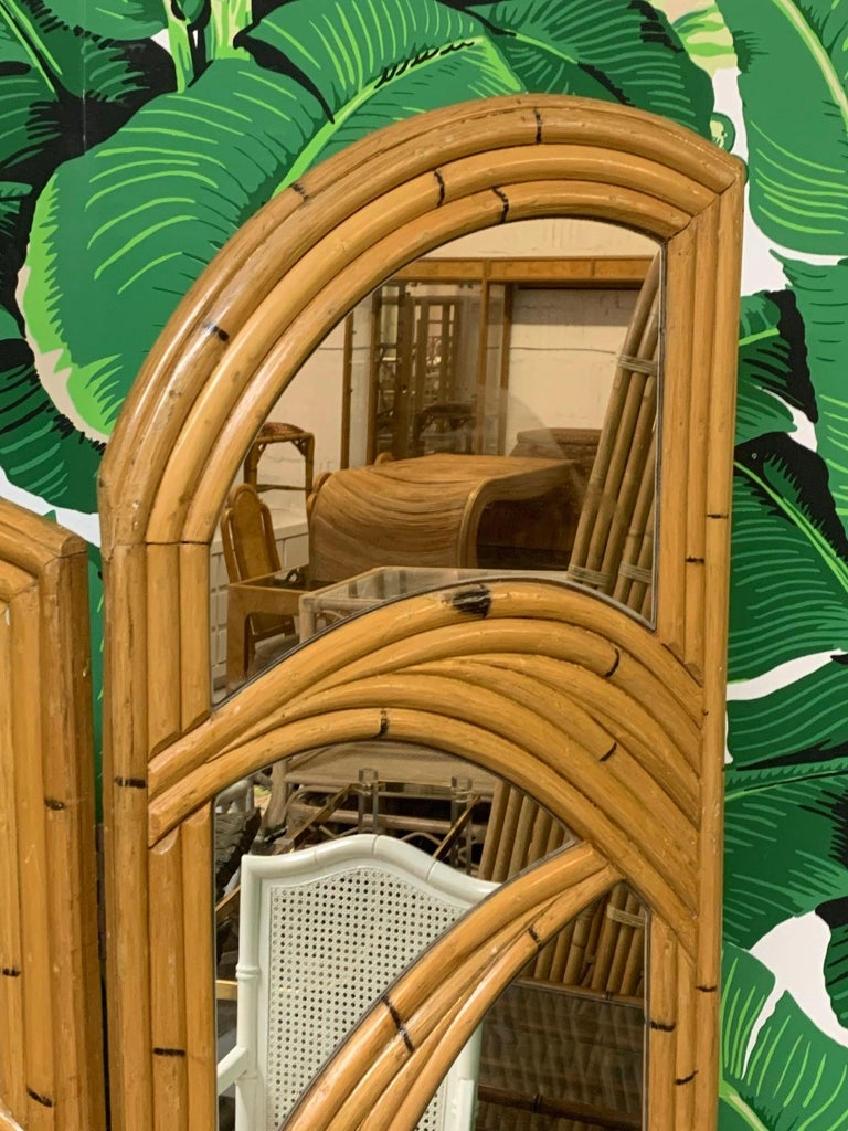 Three-Panel Split Reed Rattan Mirrored Folding Screen In Good Condition For Sale In Jacksonville, FL