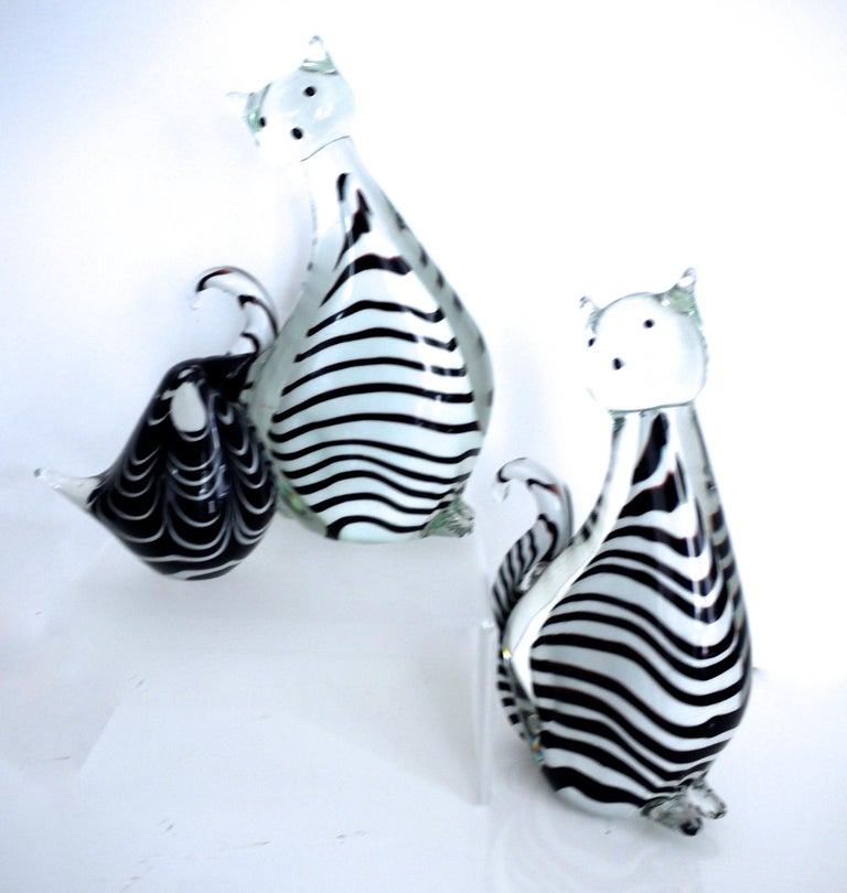 Late 20th Century Three-Piece Collection Murano Art Glass Striped Cats '2.5kg each' and Bird 1980s For Sale