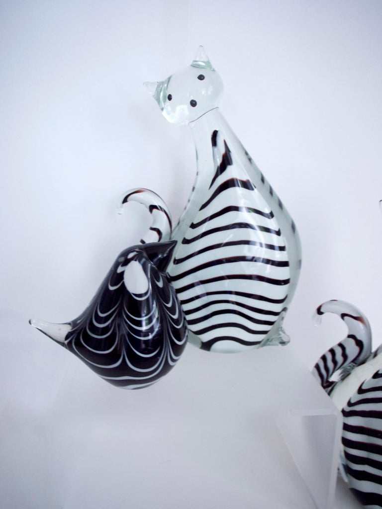 Three-Piece Collection Murano Art Glass Striped Cats '2.5kg each' and Bird 1980s For Sale 2