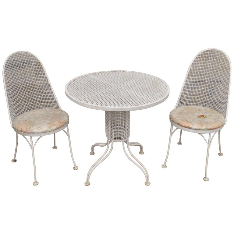 Three-Piece Russell Woodard Iron Metal Mesh Patio Bistro Dining Set For Sale