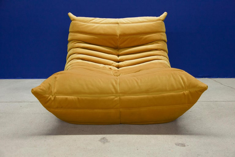 Three Piece Togo Set by Michel Ducaroy Manufactured by Ligne Roset in France In Good Condition For Sale In Berlin, DE