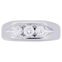 Three-Round Brilliant Diamond Ring