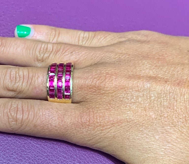 Three-Row Men's Ruby Ring In Excellent Condition For Sale In New York, NY