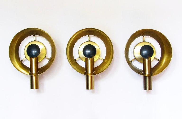 Three Sculptural Danish Wall Lights in Brass and Racing Green by Lyfa For Sale 1