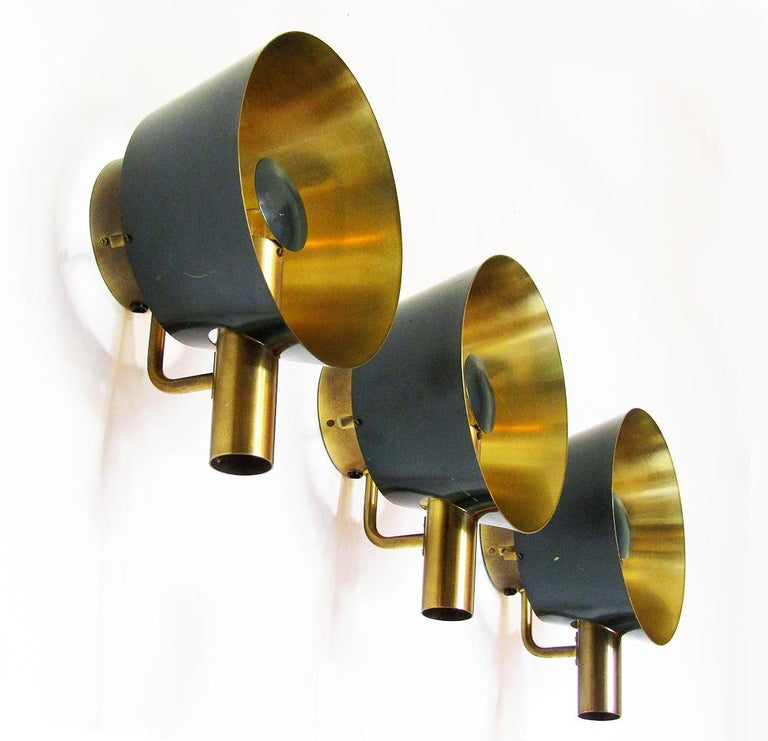 Three Sculptural Danish Wall Lights in Brass and Racing Green by Lyfa For Sale 2