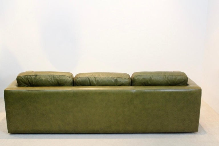Mid-Century Modern Three-Seat Sofa by Poltrona Frau in Olive green leather, Italy 1970s For Sale