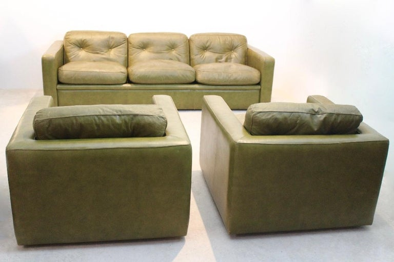 Three-Seat Sofa by Poltrona Frau in Olive green leather, Italy 1970s For Sale 1