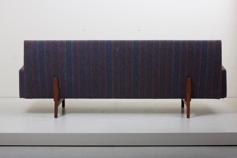 Three-Seat Jens Risom Sofa for Risom Design Inc in Good Condition For Sale 3
