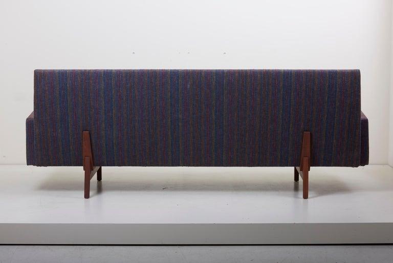 Three-Seat Jens Risom Sofa for Risom Design Inc in Good Condition For Sale 4