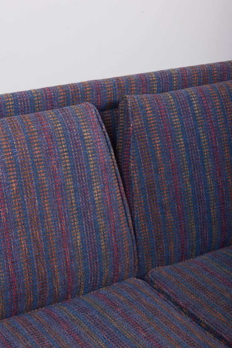 Three-Seat Jens Risom Sofa for Risom Design Inc in Good Condition For Sale 9