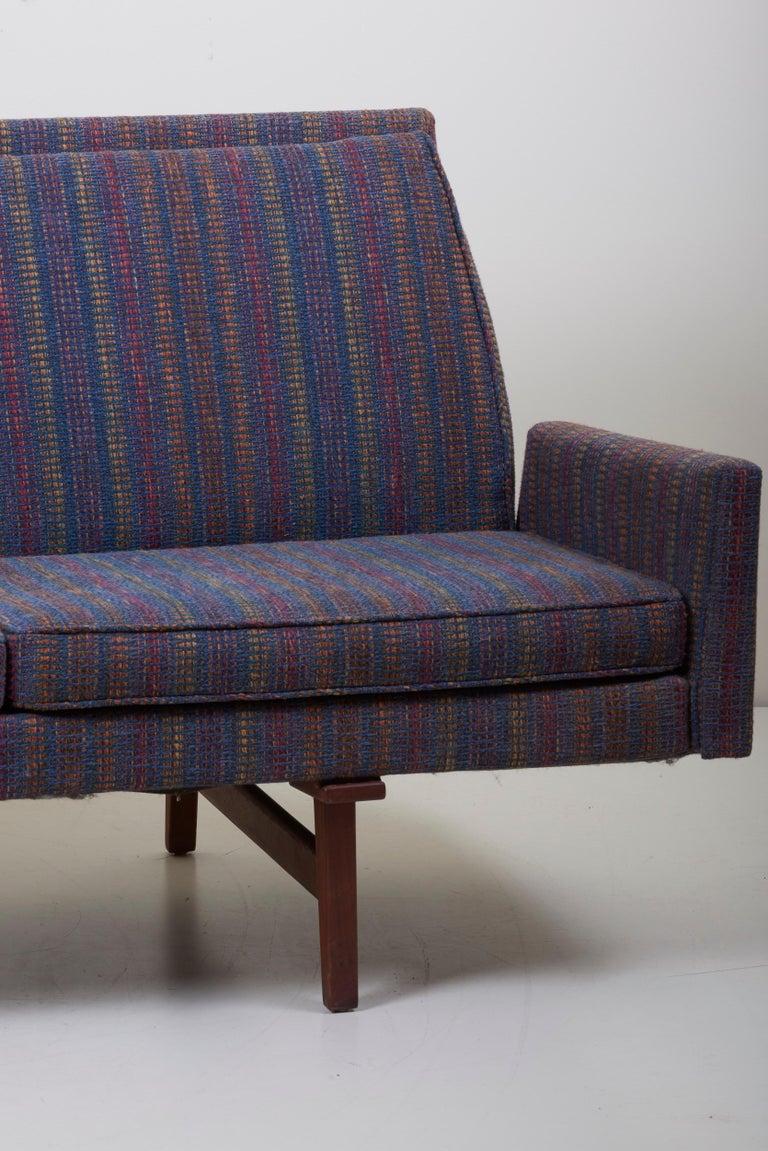 Three-Seat Jens Risom Sofa for Risom Design Inc in Good Condition For Sale 11