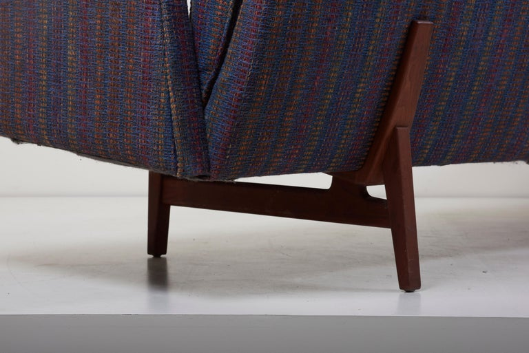 Three-Seat Jens Risom Sofa for Risom Design Inc in Good Condition For Sale 1