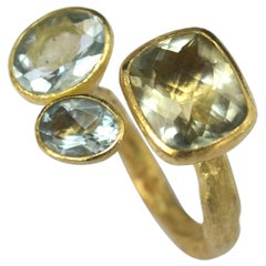 Three-Stone Cluster 18 Karat Gold Ring with Green Amethyst and Two Aquamarines