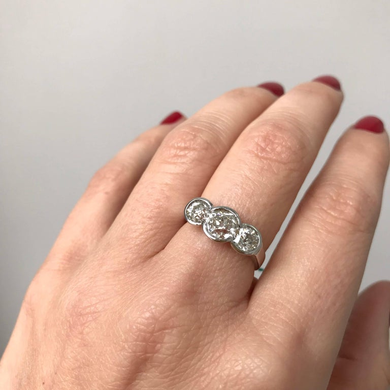Women's or Men's Three-Stone Diamond Gold Ring For Sale