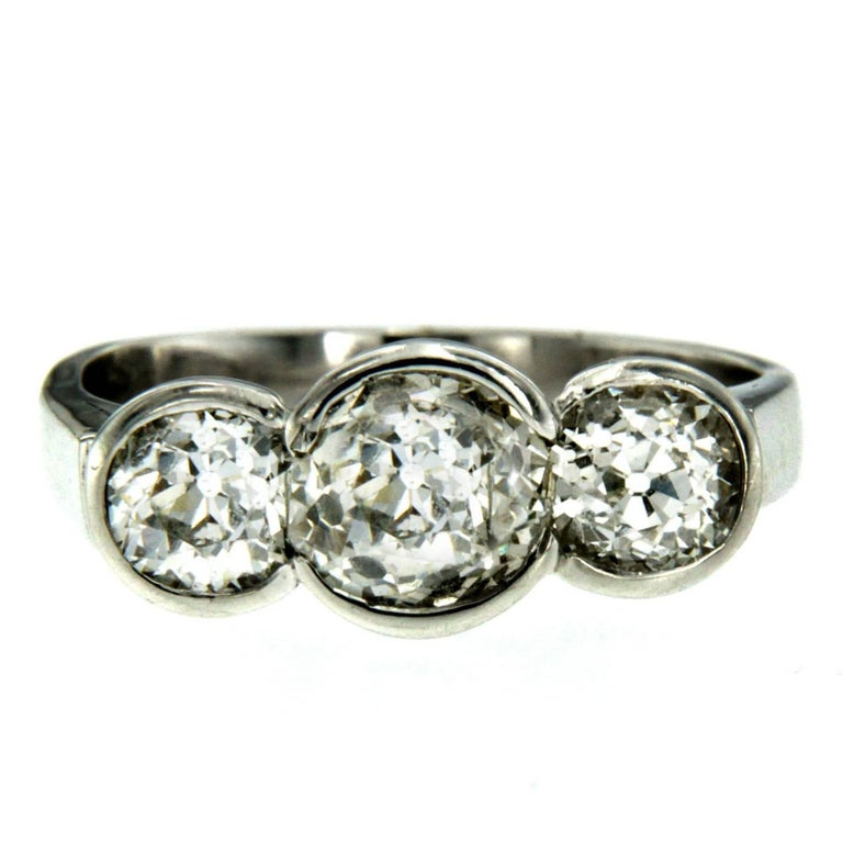 Three-Stone Diamond Gold Ring For Sale