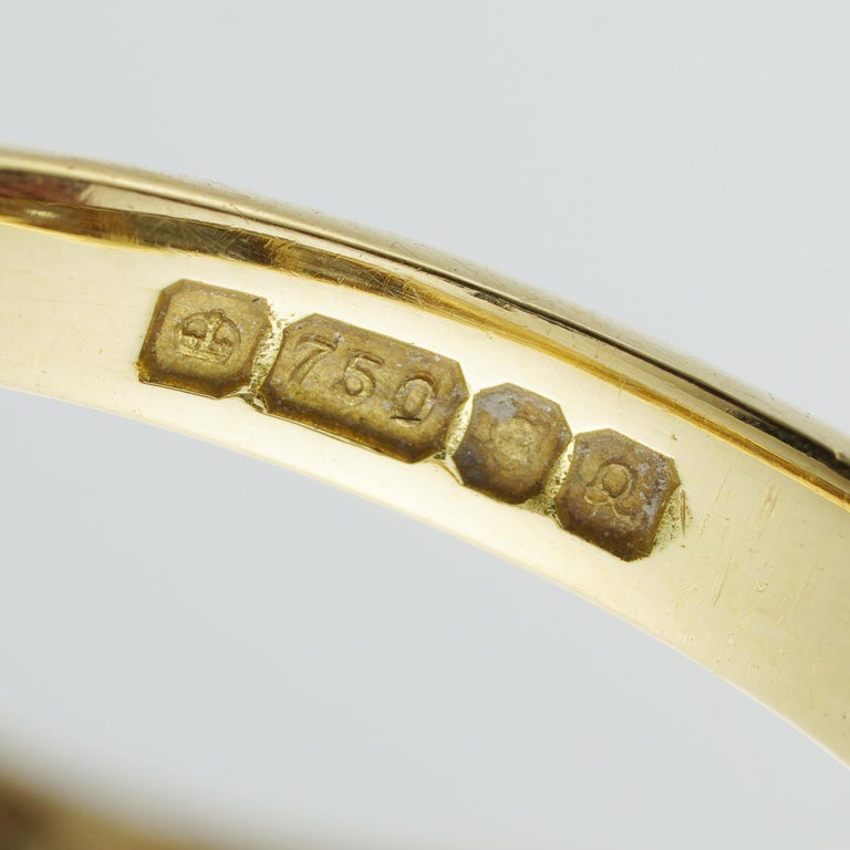 Three-Stone Diamond Victorian Style Ring In Good Condition For Sale In London, GB