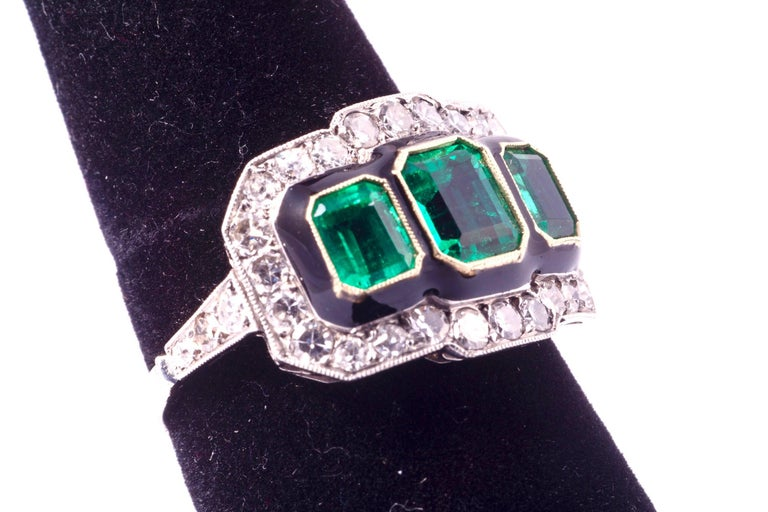 Art Deco Three-Stone Emerald and Diamond Ring For Sale