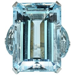 Three-Stone Emerald Cut Aquamarine Platinum Ring 75 Carat