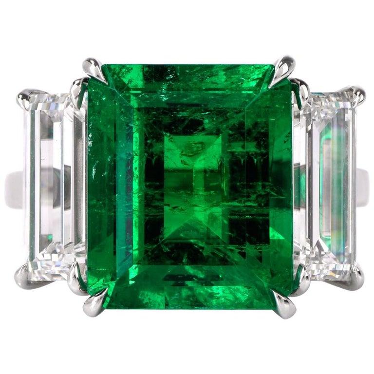 Three-Stone Rectangular Emerald Diamond Platinum Ring For Sale