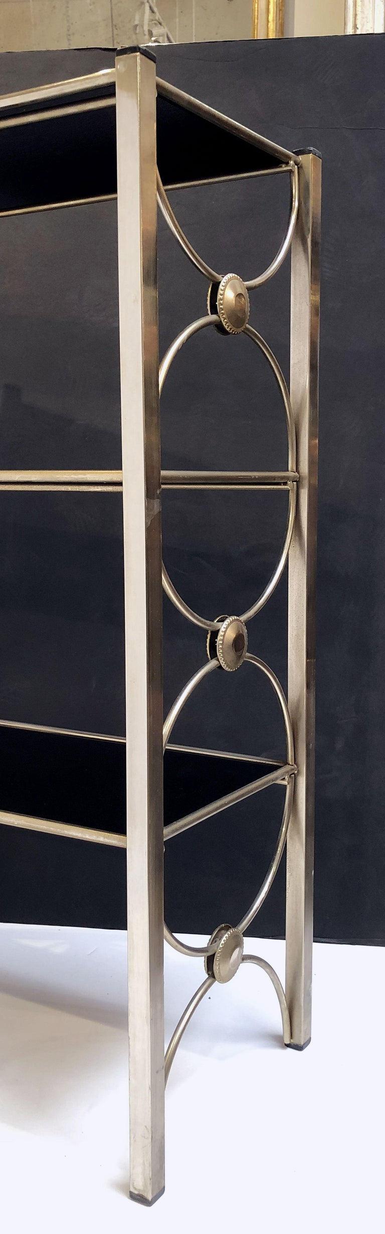 Three-Tiered Shelves or Étagère of Metal and Black Glass For Sale 4
