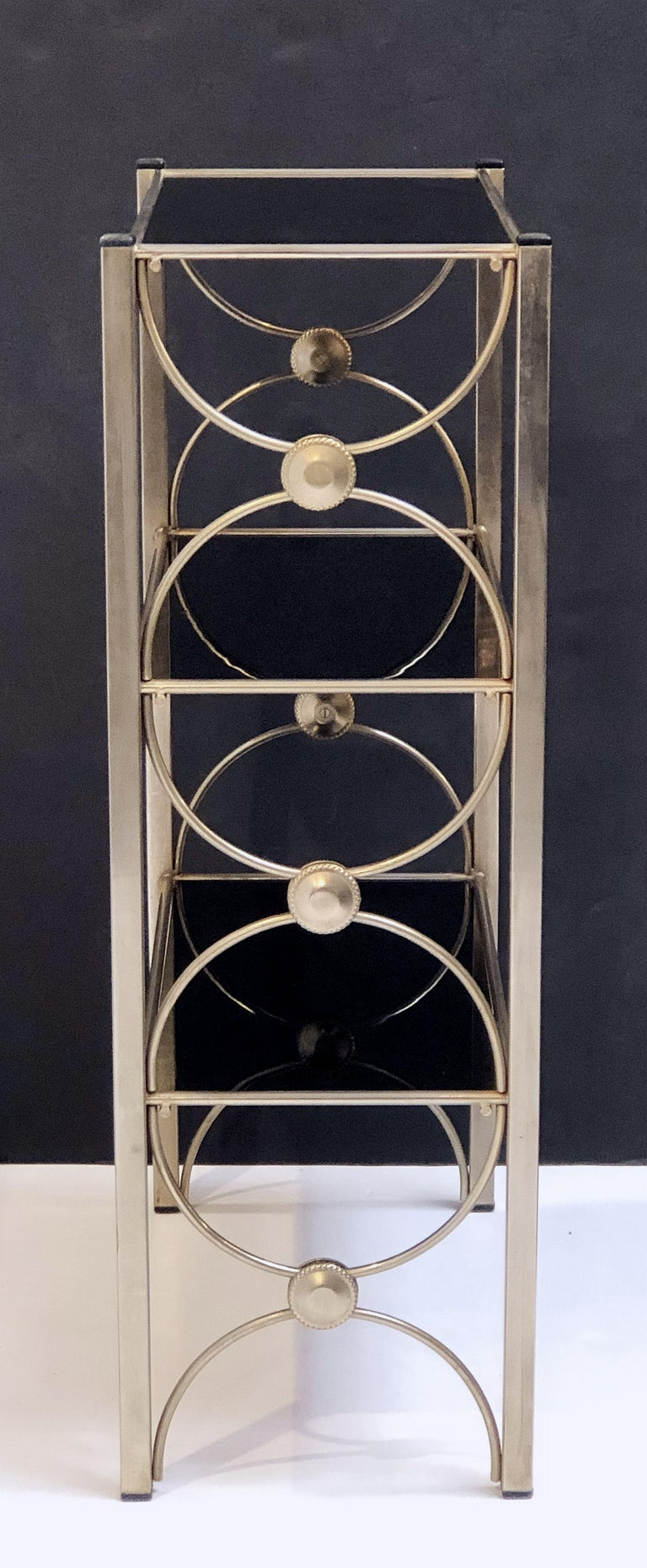 Three-Tiered Shelves or Étagère of Metal and Black Glass For Sale 1