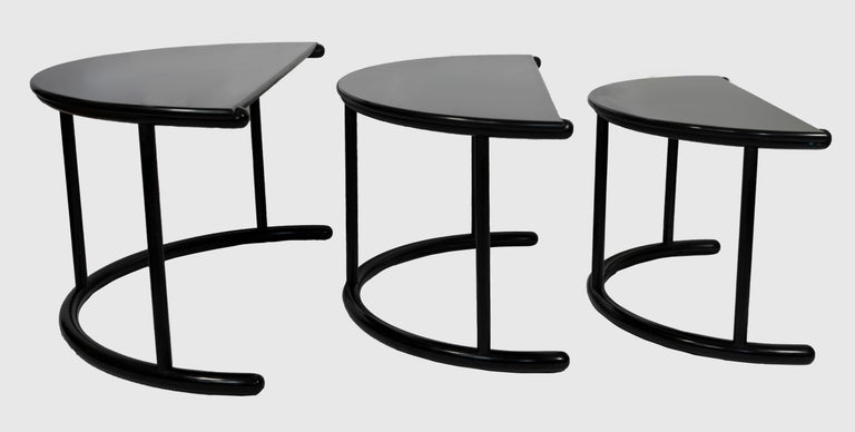 Threetria coffee table is an original design furniture set realized by Gianfranco Frattini for Morphos of Acerbis International  Division (Manufacture Label) in Italy during 1980s.   This set belongs to