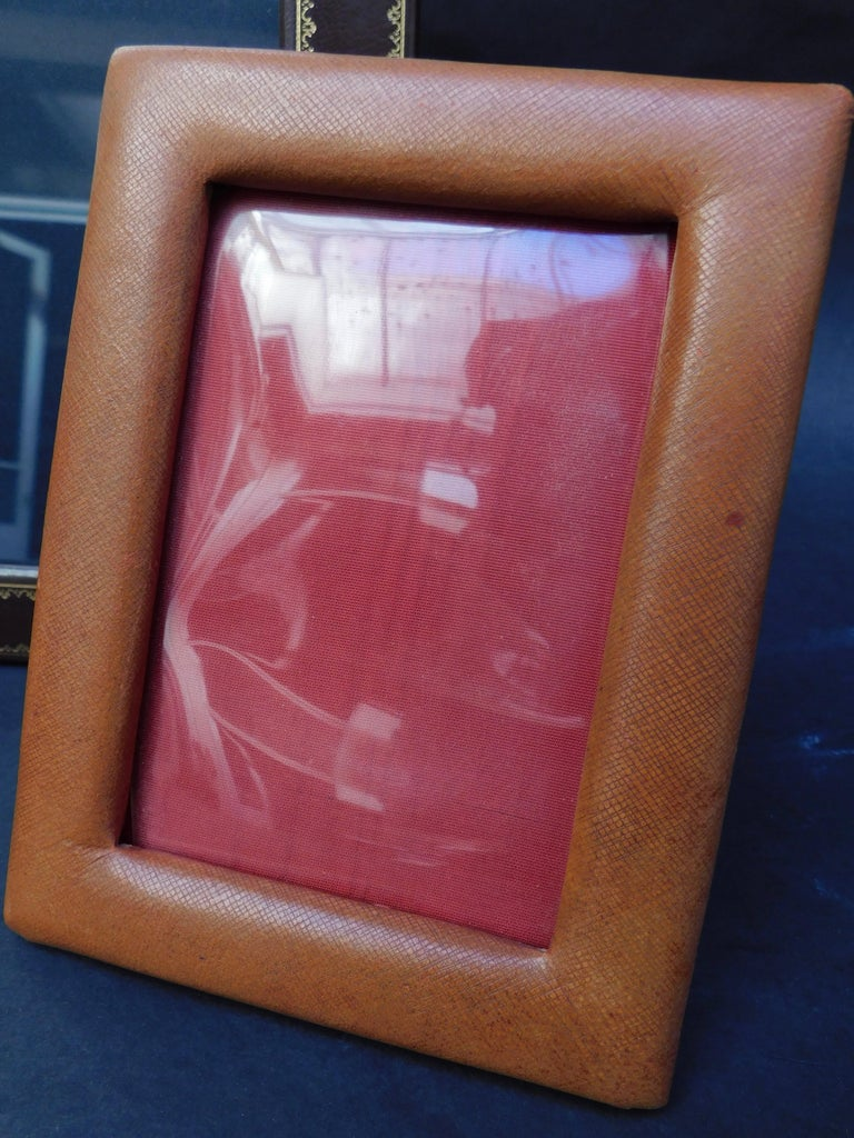 Three Vintage Leather Photo Frames In Fair Condition For Sale In Antwerp, BE