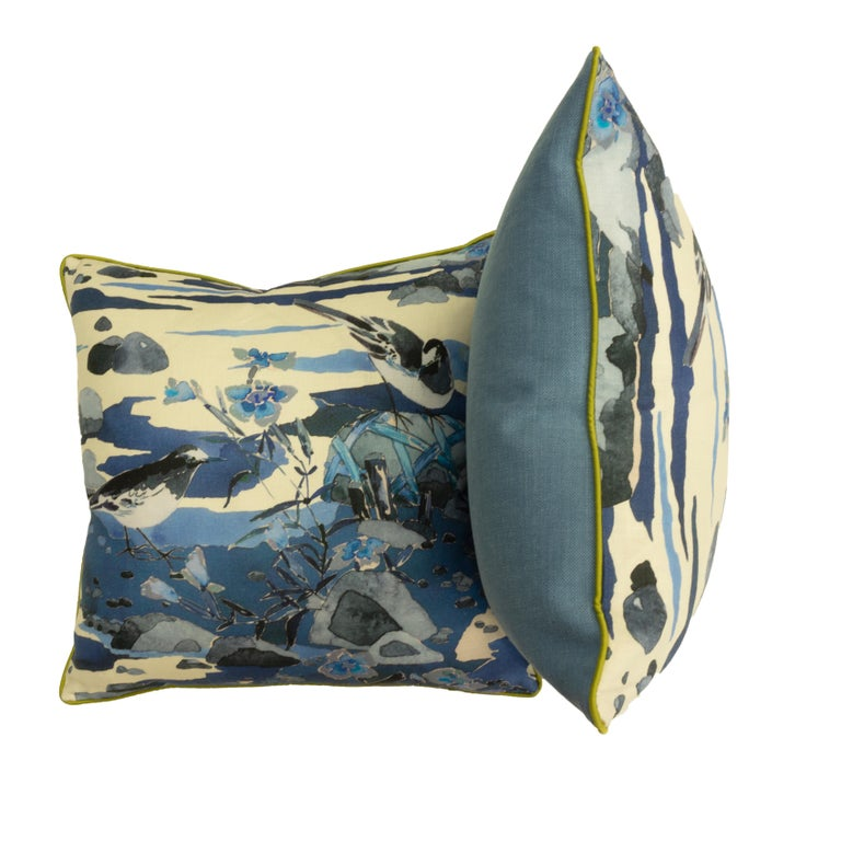 Throw Pillows with Watercolor Nature Print In Excellent Condition For Sale In Greenwich, CT