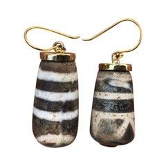 "Tibet Antique ""Dzi Eye"" Beads 18-Karat Gold Amulet Earrings, Unique"