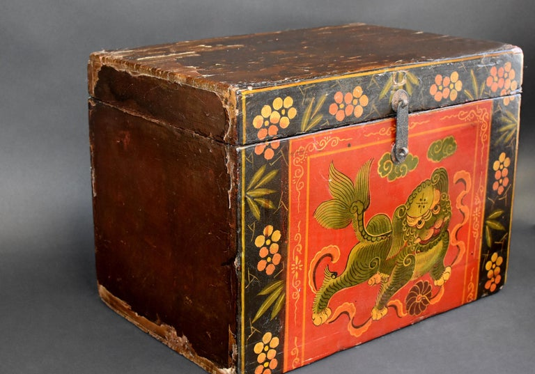20th Century Tibetan Foo Dog Box Hand Painted Box 5 For Sale