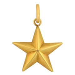 TIFFANY & CO. Art Deco Gold Star Pendant Charm