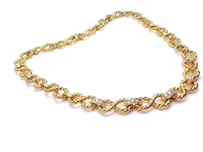Tiffany & Co. Diamond Figure Eight Rope Yellow Gold Link Necklace In New Condition For Sale In Southampton, PA
