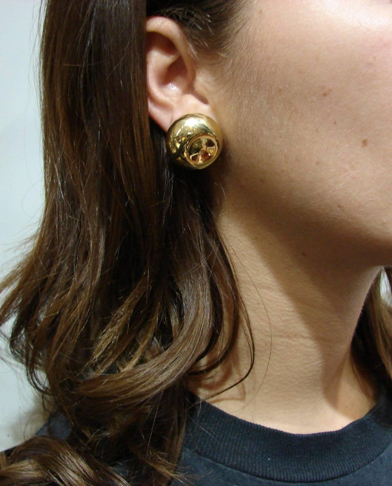 Tiffany & Co. Elsa Peretti Yellow Gold Earrings In Good Condition For Sale In Beverly Hills, CA