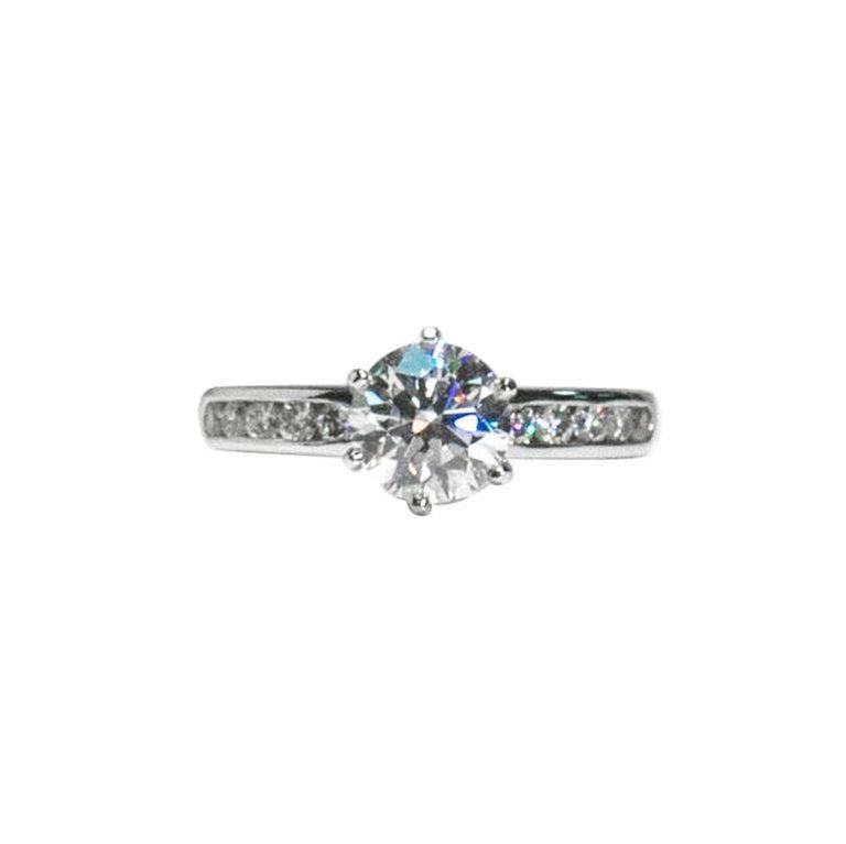 Tiffany & Co. Engagement Ring with 1.43 Carat Round Brilliant Centre in Platinum