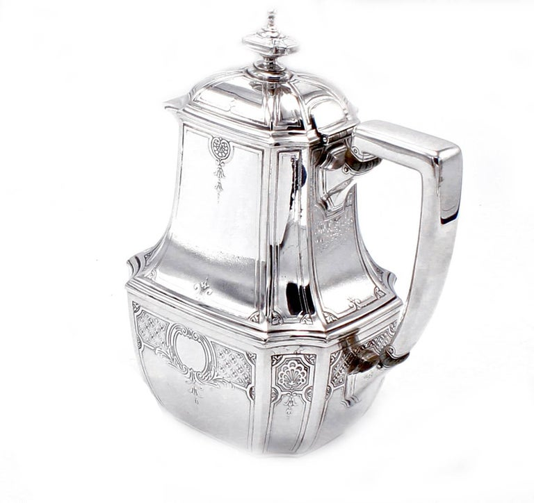 Tiffany & Co. Hampton Sterling Silver Tea and Coffee Set on Tray In Excellent Condition For Sale In Washington, DC