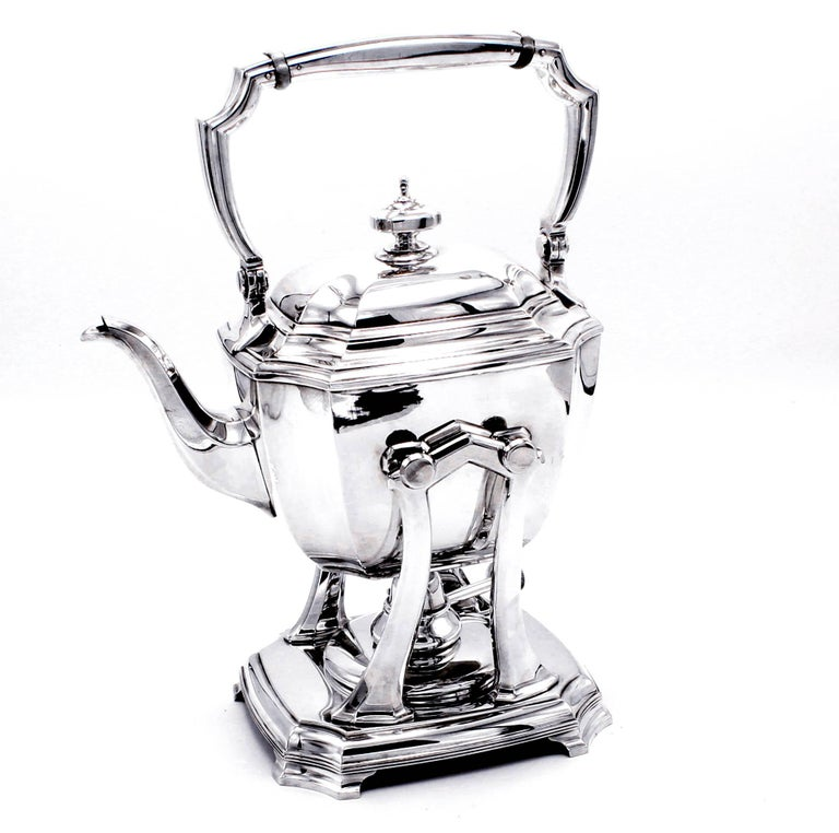 Women's or Men's Tiffany & Co. Hampton Sterling Silver Tea and Coffee Set on Tray For Sale