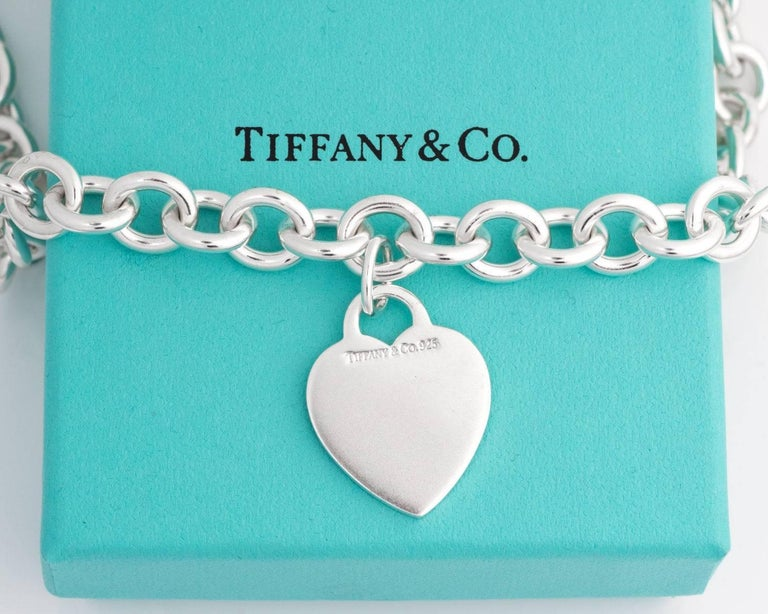 Tiffany & Co. Heart Charm Sterling Silver Choker Necklace In Good Condition For Sale In New York, NY