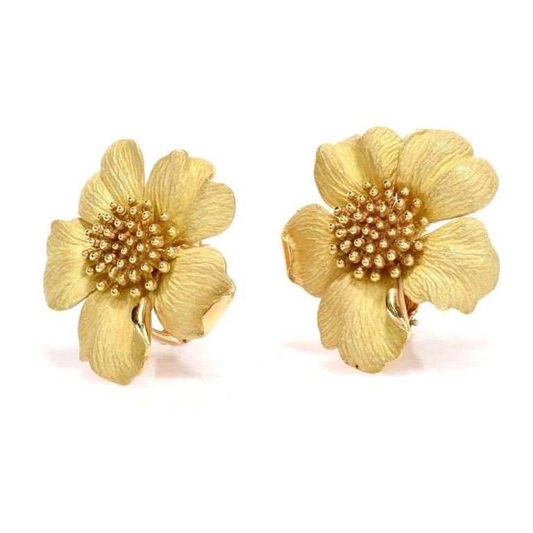 Modern Tiffany & Co. Jumbo Dogwood Flower 18 Karat Clip-On Earrings For Sale