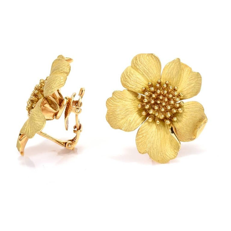 Women's Tiffany & Co. Jumbo Dogwood Flower 18 Karat Clip-On Earrings For Sale