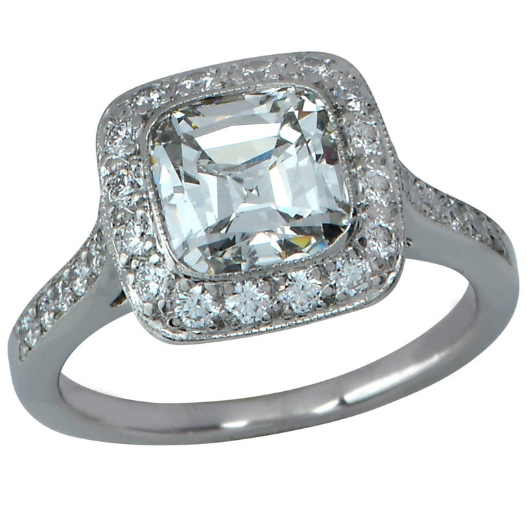 Tiffany & Co. Legacy Diamond Engagement Platinum Ring