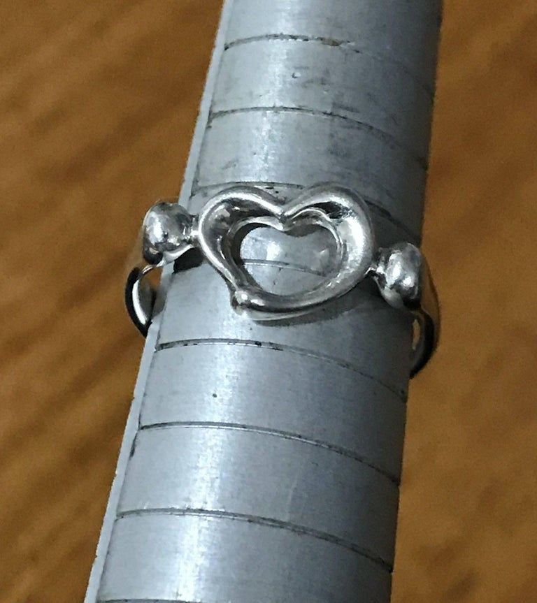 Tiffany & Co. Peretti Sterling Silver Open Heart Ring Lovely Gift Great Find In Good Condition For Sale In London, GB
