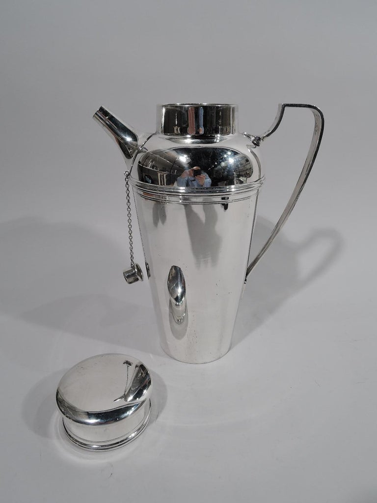 Tiffany American Art Deco Sterling Silver Cocktail Shaker In Excellent Condition For Sale In New York, NY