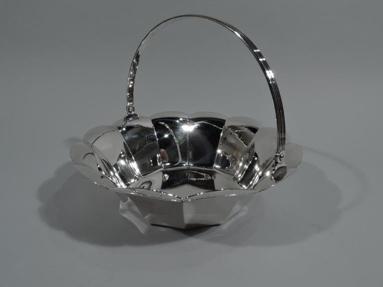 Tiffany American Mid-Century Modern Sterling Silver Basket In Excellent Condition For Sale In New York, NY