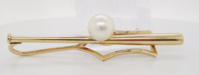 Tiffany and Co. 14 Karat Yellow Gold Baseball Bat and Pearl Tie Clip In Excellent Condition For Sale In Lexington, KY
